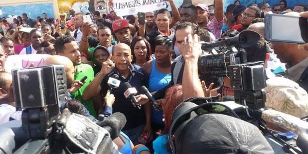 Estudiantes de la Universidad Nacional Evangélica protestan