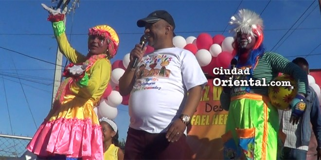 El regidor Comesolo se convierte en el Rey Mago en El Tamarindo