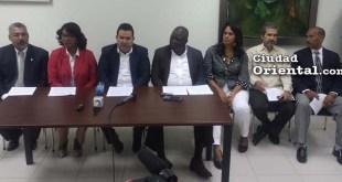 Los concejales en rueda de prensa en el Palacio Municipal