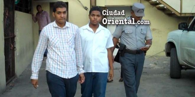 Los dos jóvenes acusados en el asalto