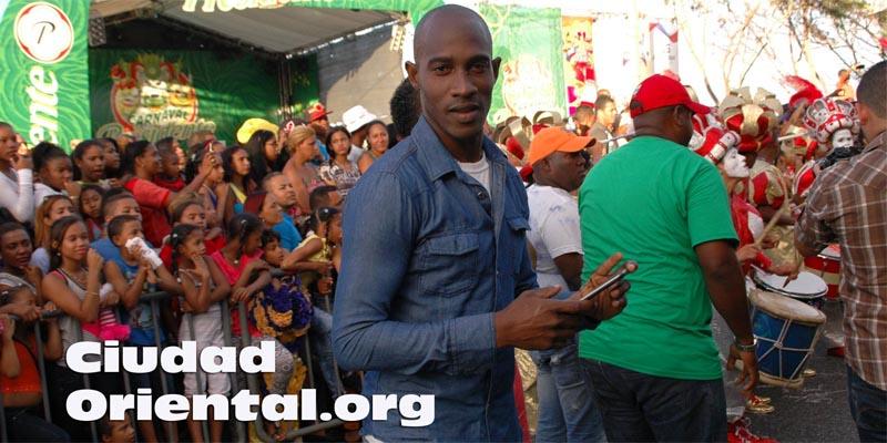 """""""Protesta del silencio"""" de Momón destapa crisis en el Carnaval de SDE 2017"""