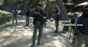 Soldados bloquean el paso a campesinos, al padre Rogelio y a periodistas hacia una zona en conflicto en Valle Nuevo