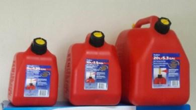 Photo of El regidor Danilo Mesa vende envases para combustible y….