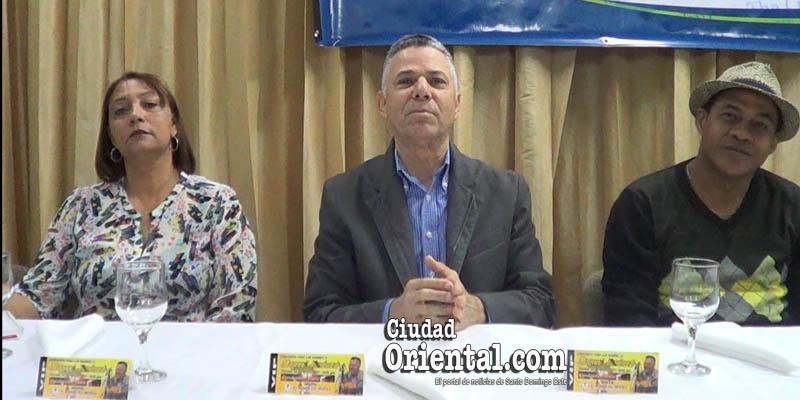 Vídeo - Manuel Jiménez regresa a los escenarios con un concierto a las madres