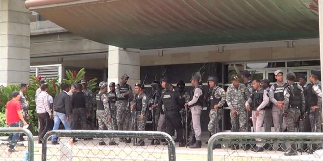La Procuraduría General de la República es blindada por la Policía