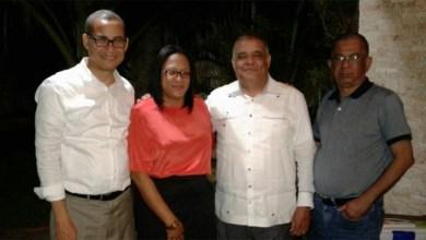 """Photo of Rodolfo Valera """"reaparece"""" junto a dos dirigentes del PRM"""