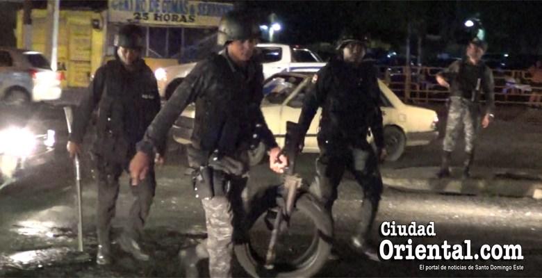 Photo of Desplegada fuerza policial en SDE para contener protestas por apagones + Vídeo