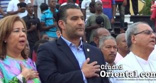 Luis Aberto Tejeda, único diputado de SDE que asiste a la inauguración de los 3ros. Juegos Municipales de SDE 2017