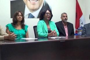 Desde la izquierda: Leo Calderón, Fe María Vicente, Claudia Pérez, Julio Decamps y Juan Rodríguez