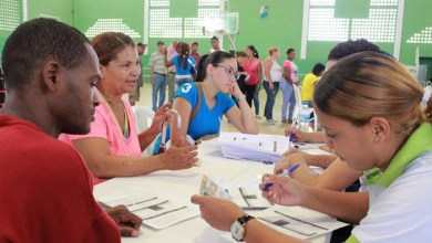 Photo of SeNaSa realiza jornada en Santiago; entrega más de 4 mil 800 carnets