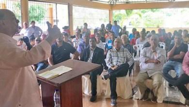 Photo of Hipólito Mejía dice gobierno viola Ley de Hidrocarburos