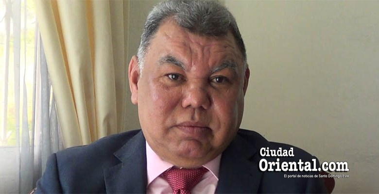 Dr. Rafael Vásquez García