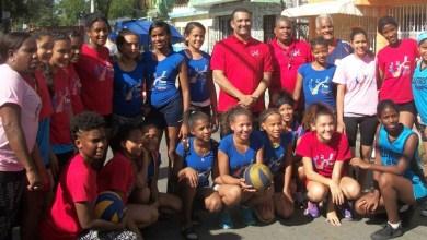 """Photo of Mil Flores campeón voleibol """"Encuentro Deportivo Navideño Los Mina 2017"""""""