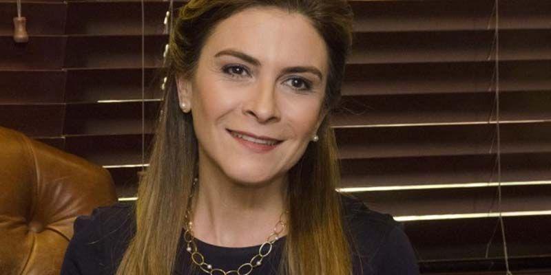 Carolina Mejía regresa este martes a SDE en busca de votos