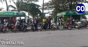 Parte del grupo de Sin Fronteras Moto club