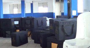 Valijas con los votos y actas de la convención del PRM en SDE