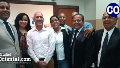 Juan Dottin, junto con abogados y amigos