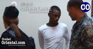 Edison Arias Castro (a) Veraison,entre la abogada y el custodio.