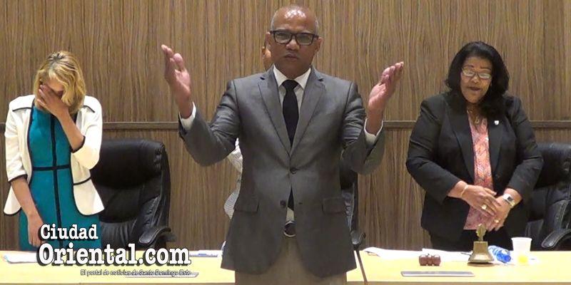 La oración a Dios del regidor Soto Lara que asombró a todos en el ASDE + Vídeo