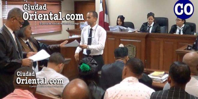El tribunal notificó los expedientes fusionados en la Sala de Audiencia.