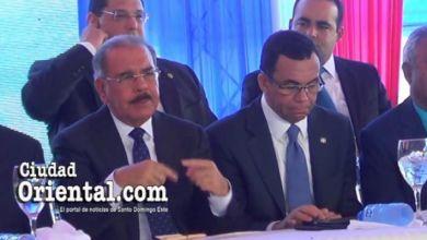 """Photo of También Danilo Medina se comunica con el """"lenguaje de señas"""" + Vídeo"""