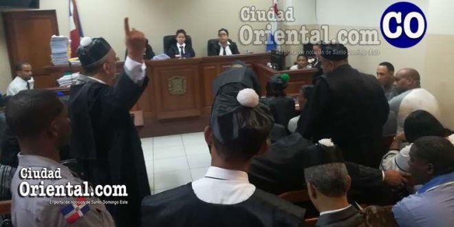 El abogado Pedro José Duarte Canaán, defensa de uno de los imputados, interviene en el plenario.