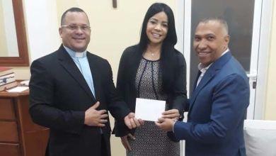 Photo of La Fundación Joselito hace aportes a la parroquia Paz y Bien para celebración fiesta parroquial