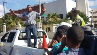 Photo of Se trató de una acción política la ejecutada por los siete estudiantes de la UASD al lanzar fundas llenas de mi***a