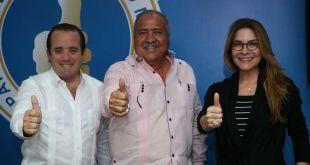 Desde la izquierda, José Ignacio Paliza, Tonty Rutinel y Carolina Mejía