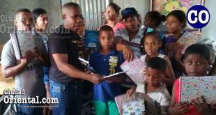 Los estudiantes pobres en esta comunida fueron los beneficiados.