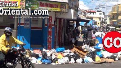 Photo of Señal de deterioro de los servicios: se acumula la basura en avenida de Los Mina + Vídeo