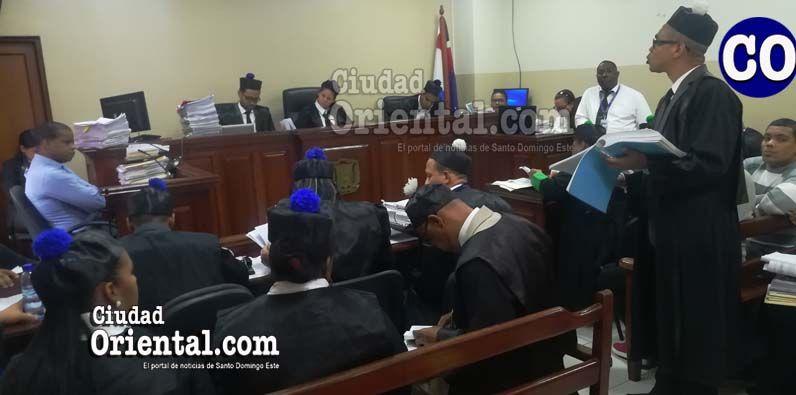 El abogado Rigoberto Rosario Guerrero, al momento de formalizar la recusación de los jueces.