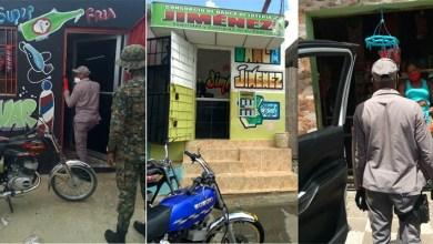 Photo of Policía interviene y cierra negocios, ocupa bocinas y apresa 74 personas en SDE