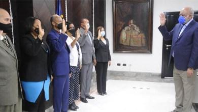 Photo of Ministro de Educación Roberto Fulcar juramenta nuevo gabinete ministerial