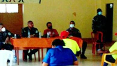 Photo of Director PN en SDE se reúne con líderes comunitarios