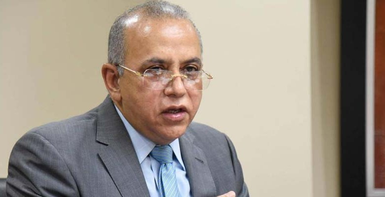 Plutarco Arias, Ministro de Salud