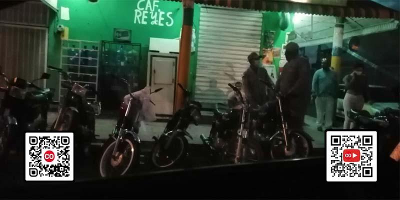 Unidades patrulleras en una de las esquinas de la avenida Milagrosa, en el barrio Invi, de Los Mina/ Foto cortesía de Rodhes Espinal