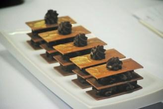 Els assistents van elaborar les textures de xocolata