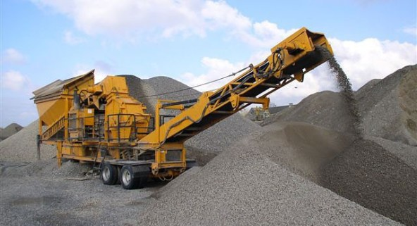 Aggregate Crushers - Construction Equipment