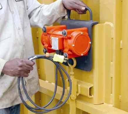 Form vibrator - Construction Equipment