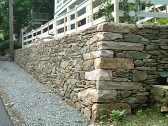 12 basic quality requirements of good building stones for Stone house construction