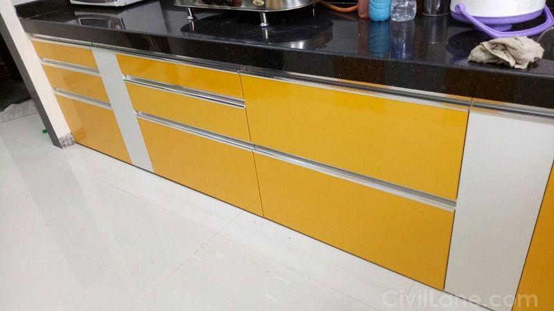 Laminate Finish Modular Kitchen