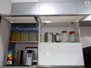 Gundecha Trillium Kandivali Acrylic Modular Kitchen Design Mumbai