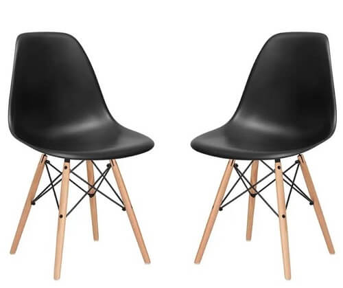 Shell shape chair with distinctive legs