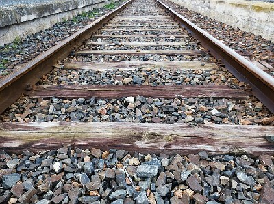 Size and Section of Ballast in Railway