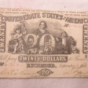 Back portion of the currency