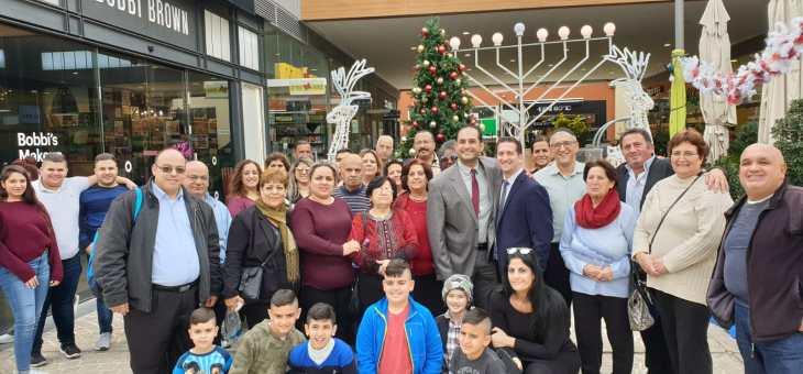 """נוצרים ערביים מודים לקניון """"ביג"""" על הצגת עץ חג המולד"""