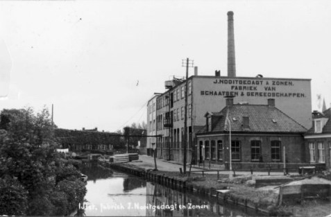 fabriek Nooitgedacht op de plek van de woning van A.W. Nauta
