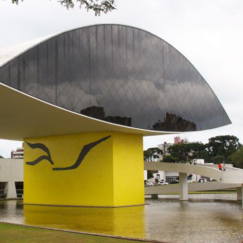 Visita ao Museu Oscar Niemeyer em Curitiba
