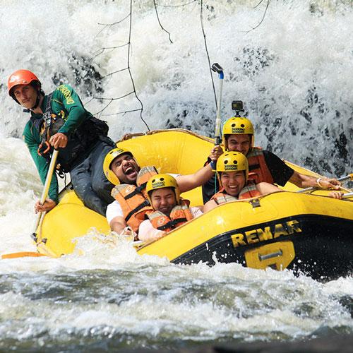 Rafting em Brotas com a Território Selvagem Canoar